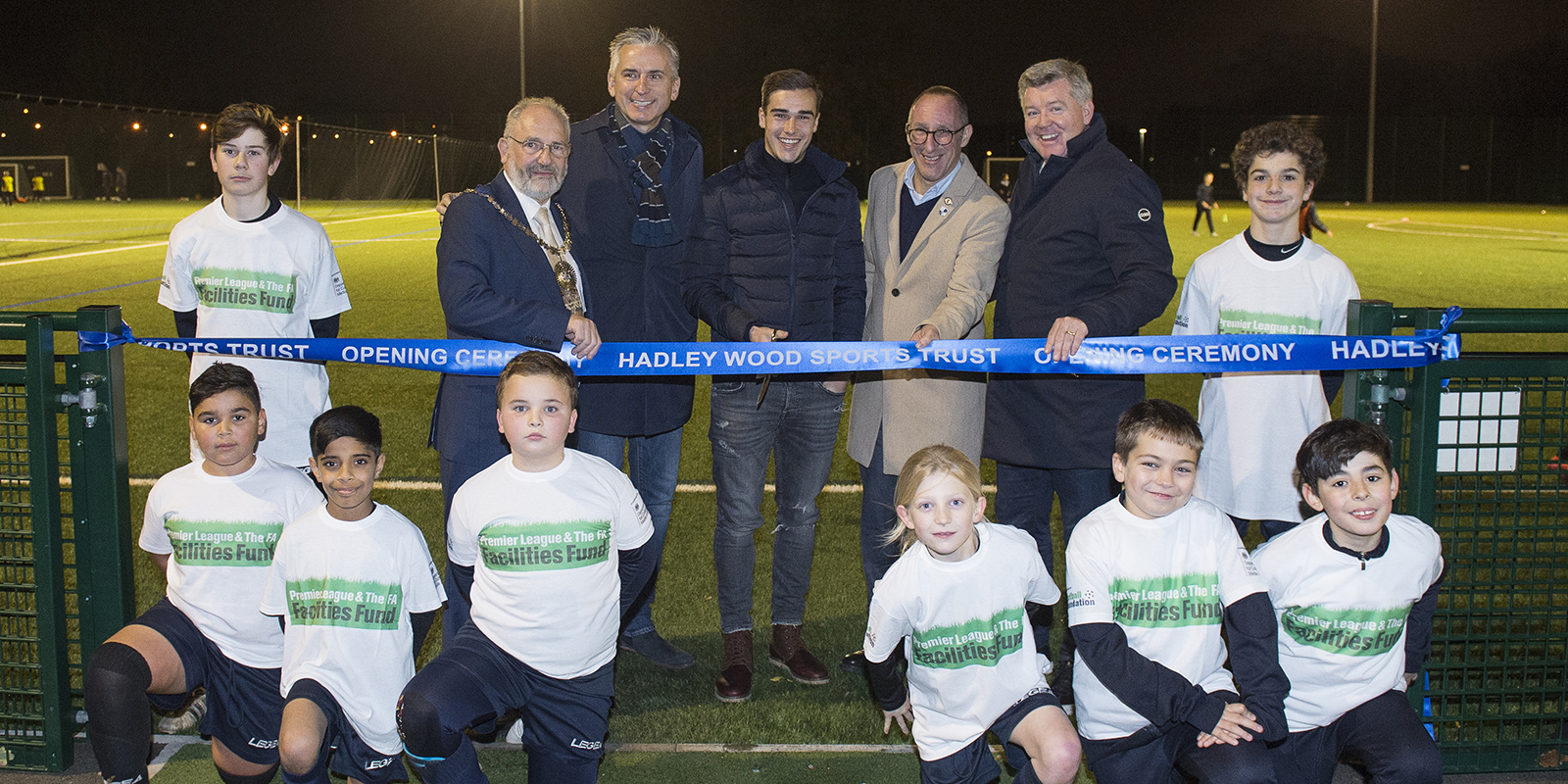 Geoff Shreeves, Harry Winks and Alan Smith unveil the brand new all-weather pitch at Hadley Wood