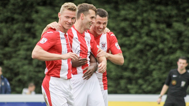 Brackley Town And Bromley Reach The Buildbase Fa Trophy Final
