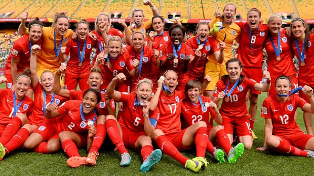 Spot on Fara Williams secures bronze for Lionesses