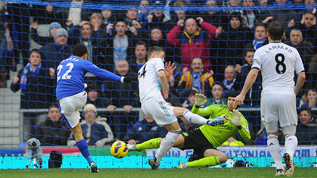 Steven Pienaar of Everton scores the opening goal against Chelsea at Goodison Park