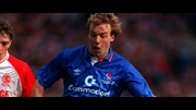 Kerry Dixon in action for Chelsea against Middlesbrough in the 1990 Zenith Data Systams Cup Final.