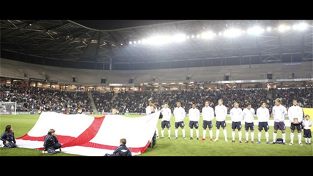 England line-up at stadiummk