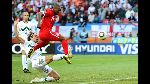 Jermain Defoe scores against Slovenia