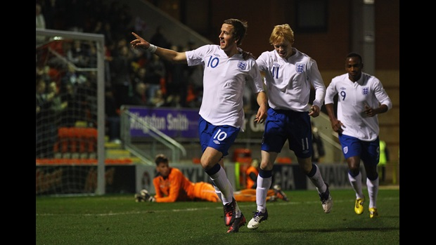 Harry Kane (No.10) celebrates his goal against Czech Republic at Brisbane Road.