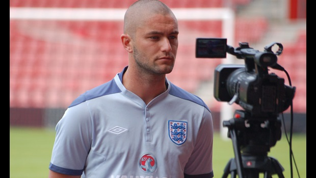 Henri Lansbury interview