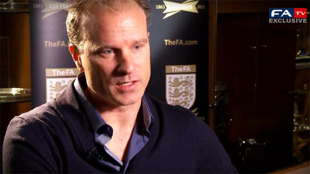 Dennis Bergkamp answers questions from fans on Twitter for FATV.