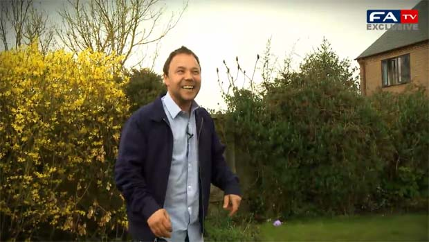 Stephen Graham takes FATV's Keepy-Uppy Challenge.